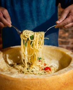 pasta flambata al parmigiano